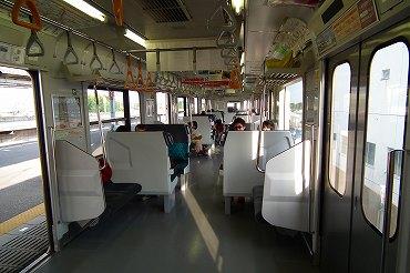E257系東京~安房鴨川間「わかしお」。特急用としては安っぽさを感じる車両です。(2011年7月24日 茂原) 2012年10月記 ...
